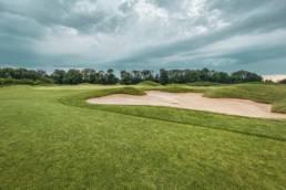 Greencomplex hole 2 van Golfbaan The Dutch in Spijk