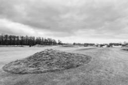 Hole 11 van Golfbaan de Swinkelsche in zwart wit